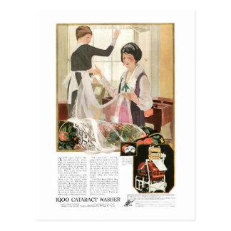 Cartão Postal Mãe e filha novas da máquina de lavar