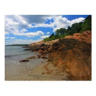 Cartão Postal Manchester pela praia rochosa do mar