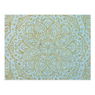 Cartão Postal Mandala do ouro na luz - calças de ganga