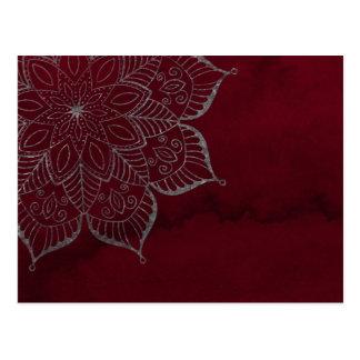 Cartão Postal Mandala vermelha do brilho da aguarela & das