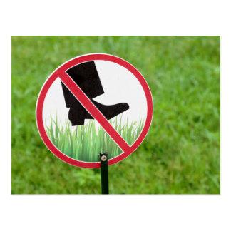 Cartão Postal Mantenha do sinal da grama