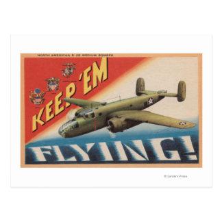 Cartão Postal Mantenha-os o bombardeiro Flying/B-25 médio (o