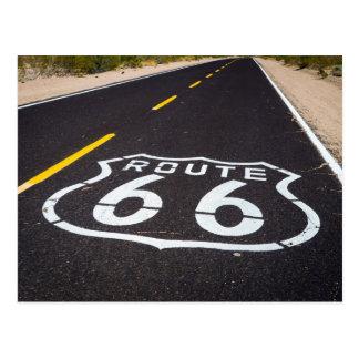 Cartão Postal Marcador da estrada da rota 66, arizona