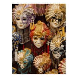 Cartão Postal Máscaras do carnaval em Veneza Italia