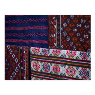 Cartão Postal Matérias têxteis coloridas de Bhutan