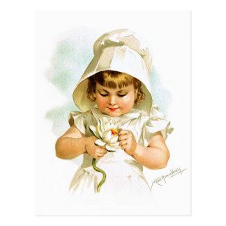Cartão Postal Maud Humphrey: Menina do verão com lírio de água