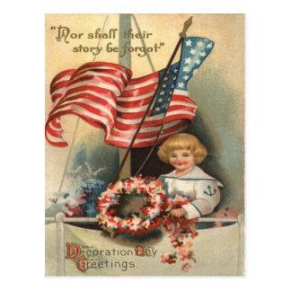 Cartão Postal Memorial Day do uniforme do menino do navio da