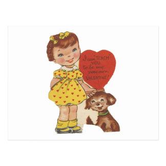 Cartão Postal Menina do vintage e namorados do cão