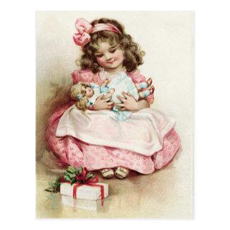 Cartão Postal Menina do vintage no vestido cor-de-rosa com