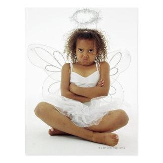 Cartão Postal Menina no traje do anjo