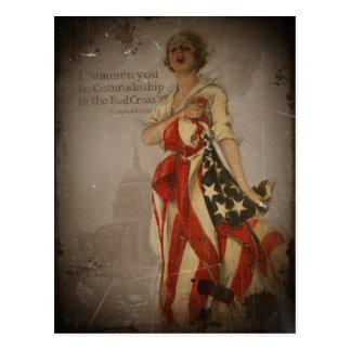 Cartão Postal Menina patriótica drapejada na bandeira