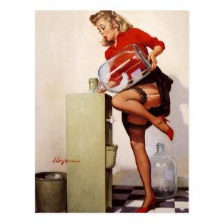 Cartão Postal Menina retro do Pinup do escritório de Gil Elvgren