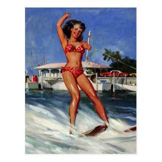Cartão Postal Menina retro do pinup do esqui de água de Gil