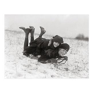Cartão Postal Meninas que Sledding, 1915
