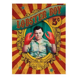 Cartão Postal Menino da lagosta da mostra lateral do carnaval do