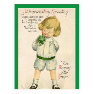 Cartão Postal Menino louro pequeno bonito dos cumprimentos de St