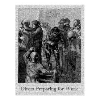 Cartão Postal Mergulhadores que preparam-se para trabalhar o