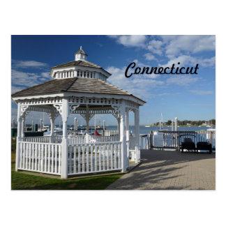 Cartão Postal miradouro branco por um porto