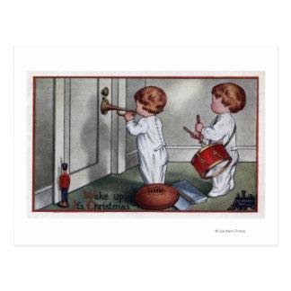 Cartão Postal Miúdos com cilindro e trombeta
