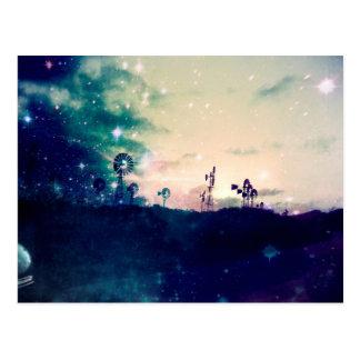 Cartão Postal Moinho de vento Windfarm cerca da noite da