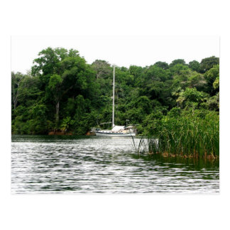 Cartão Postal Moira na âncora, Rio Chagres, Panamá