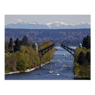 Cartão Postal Montanhas da ponte e da cascata de Montlake