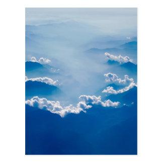 Cartão Postal Montanhas e nuvens