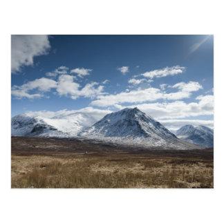 Cartão Postal Montanhas escocesas bonitas