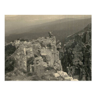 Cartão Postal Montanhas gigantes - vintage que caminha 1937