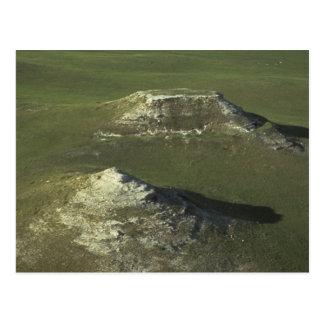 Cartão Postal montes e planícies do verde do parque nacional da