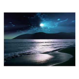 Cartão Postal Moonrise da praia da tranquilidade