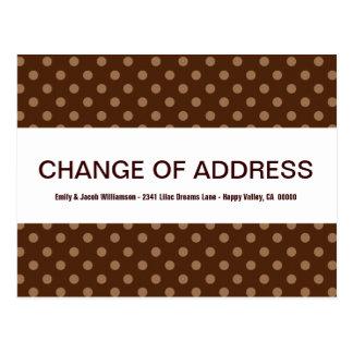 Cartão Postal Mudança das bolinhas castanho chocolate V4 de