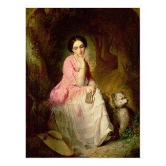 Cartão Postal Mulher assentada em um glade da floresta