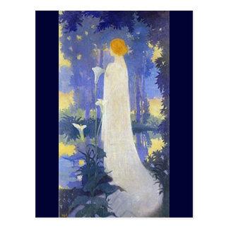 Cartão Postal Mulher de Nouveau da arte com lírios de Calla