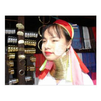 Cartão Postal Mulher de Padaung