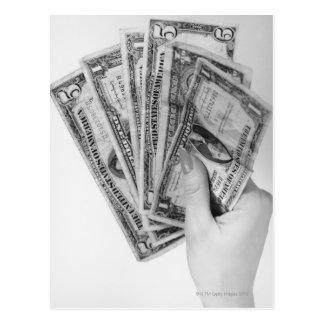 Cartão Postal Mulher que guardara o dinheiro