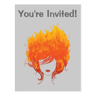Cartão Postal Mulher Redheaded, cabelo do fogo vermelho