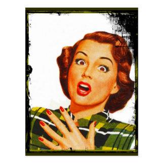 Cartão Postal Mulher retro com expressão surpreendida