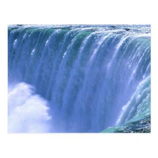 Cartão Postal Na borda de Niagara Falls poderoso, New York