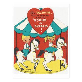 Cartão Postal Namorados do carrossel do vintage