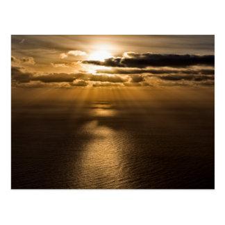 Cartão Postal Nascer do sol acima do Oceano Atlântico