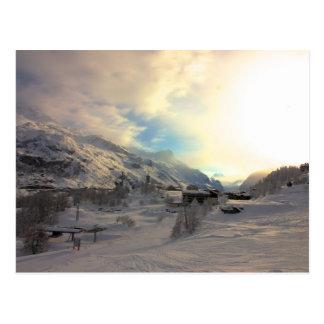 Cartão Postal Nascer do sol do inverno de Tignes Les Bois