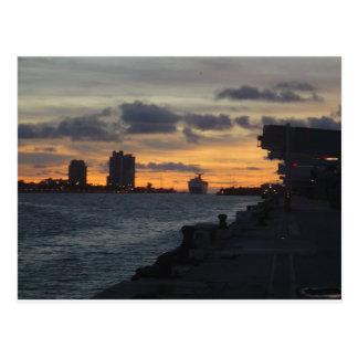 Cartão Postal Nascer do sol sobre Miami