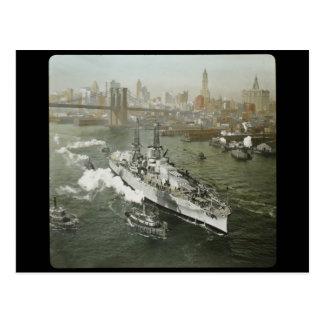 Cartão Postal Navio de guerra de WWII no vintage do Rio Hudson