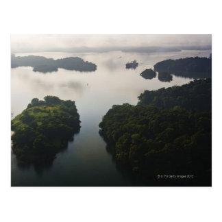 Cartão Postal Navio de recipiente em Lago Gatun, canal do