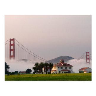 Cartão Postal Névoa de golden gate bridge