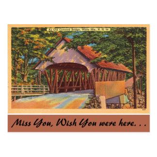 Cartão Postal New Hampshire, ponte coberta velha, montanhas