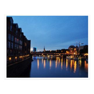 Cartão Postal Noitada com o rio