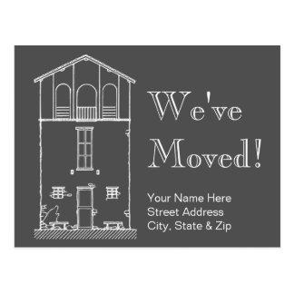 Cartão Postal Nós movemos o endereço novo do quadro cinzento e