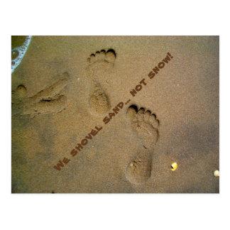 Cartão Postal Nós trabalhamos com pá a neve da areia não -